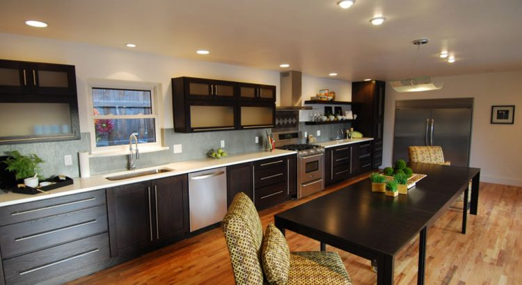 What Are The Essential Accessories For A Modular Kitchen Pramukh